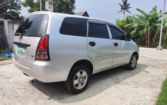 Selling Brightsilver Toyota Innova 2006 in Cavite-9