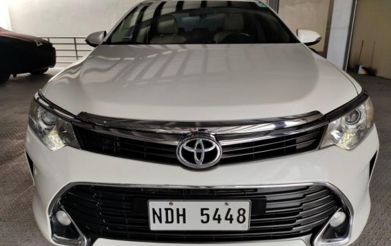 Selling Pearl White Toyota Camry 2016 in Makati