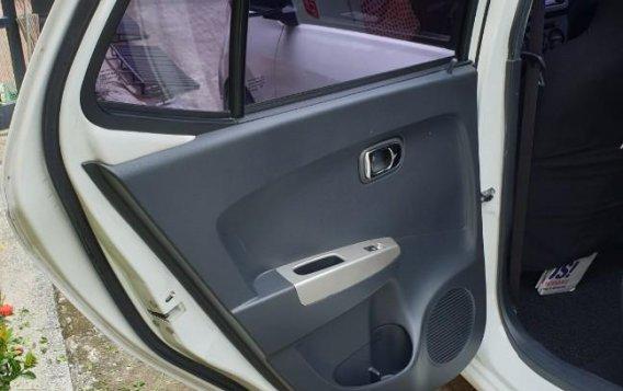 Selling White Toyota Wigo 2016 in Muntinlupa-6