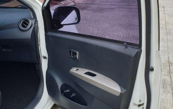 Selling White Toyota Wigo 2016 in Muntinlupa-8