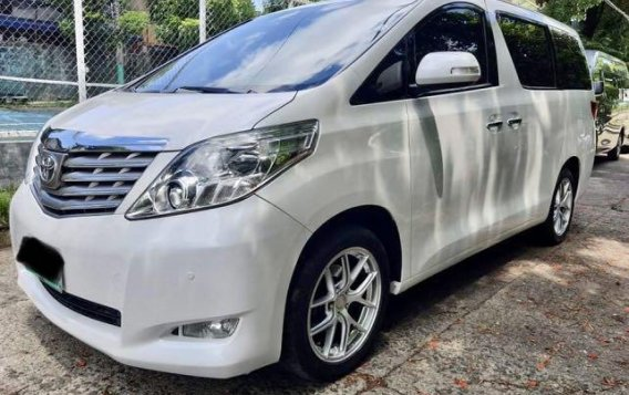 Pearl White Toyota Alphard 2011 for sale in Taytay