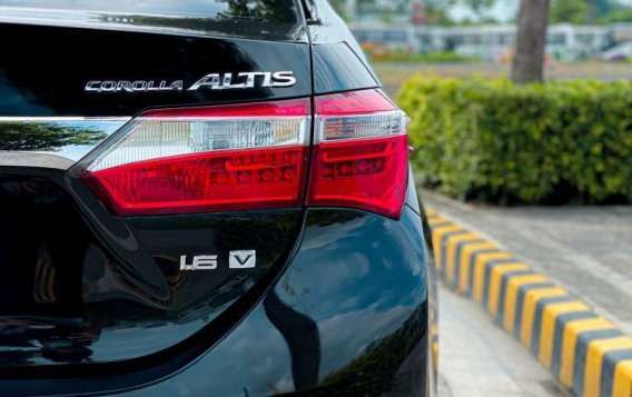 Selling Black Toyota Corolla Altis 2014 in Pasig-5