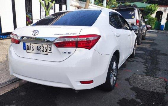 Sell White 2015 Toyota Altis
