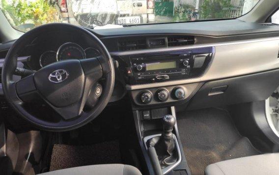 Sell White 2015 Toyota Altis-3