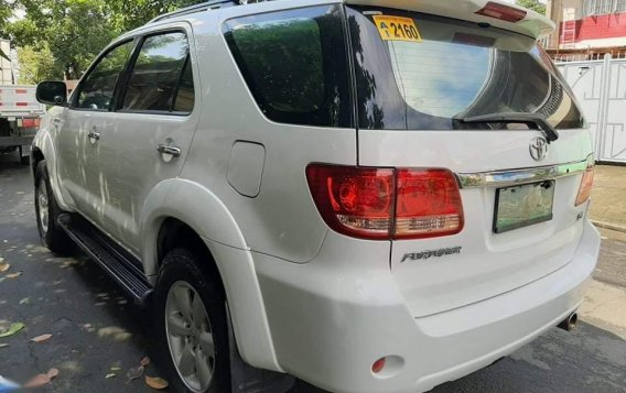 Sell White 2006 Toyota Fortuner in Quezon City-3