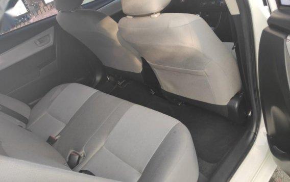 Sell White 2015 Toyota Altis-4