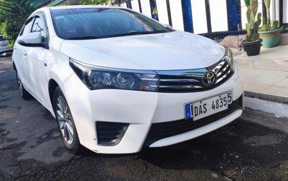 Sell White 2015 Toyota Altis-2