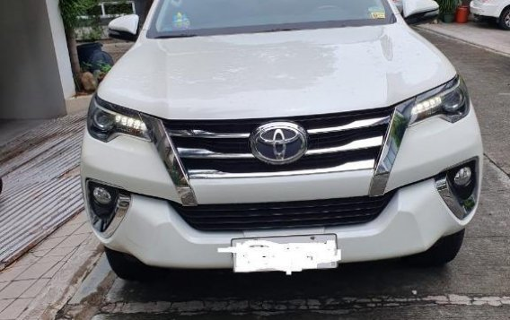 Pearl White Toyota Fortuner 2017 for sale in Makati-2