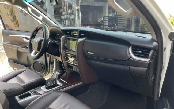 White Toyota Fortuner 2018 for sale in Automatic-6