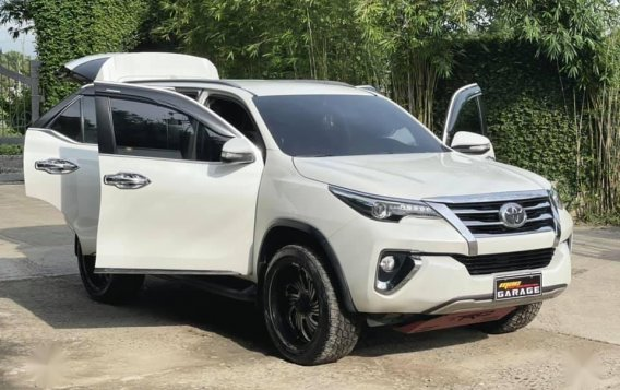 White Toyota Fortuner 2018 for sale in Automatic-2