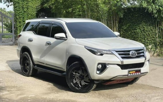 White Toyota Fortuner 2018 for sale in Automatic-4